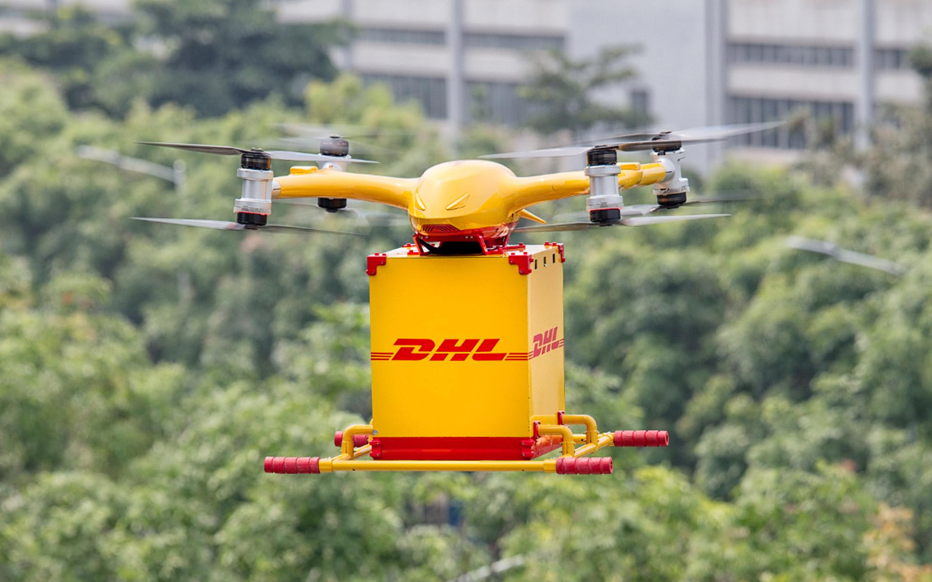 Przesyłki kurierskie dronem - źródło DHL.com
